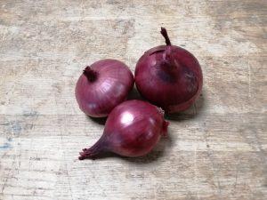 Oignon rouge en bottes - Vergers des Moncels - Producteur de fruits à Lagney